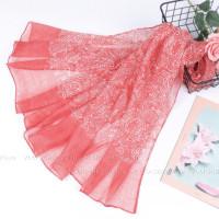 Шарф  с легким белым орнаментом (розовый)